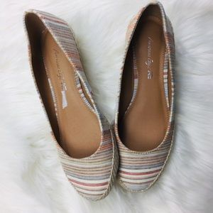 NWOT American Eagle Canvas Striped Low Wedges.